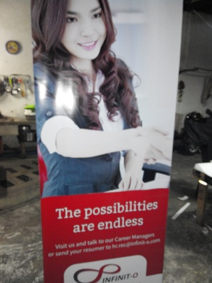 Infinit-O - Tarpaulin Printing with Roll-Up Stand